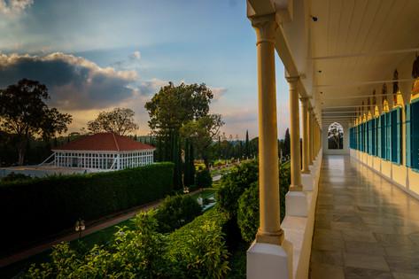 Balconata e vista del Mausoleo al tramonto