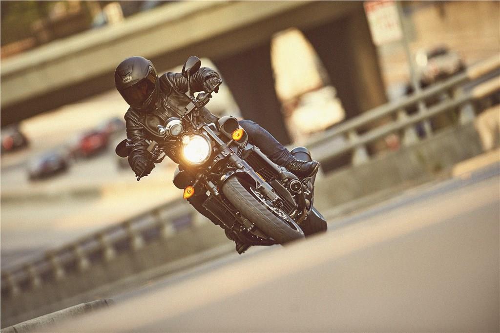 Yamaha VMAX (8).jpg