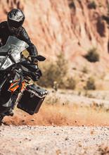 2021-KTM-890-Adventure-3.jpg