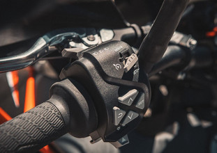 2021-KTM-890-Adventure-5.jpg