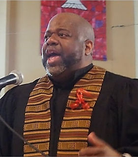 Rev%2520W%2520Lee%2520-%2520in%2520pulpit%2520kente%2520robe_edited_edited.jpg