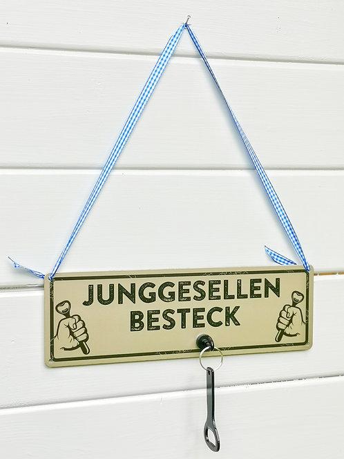 Schild mit Magnethaken & Flaschenöffner - Junggesellen-Besteck