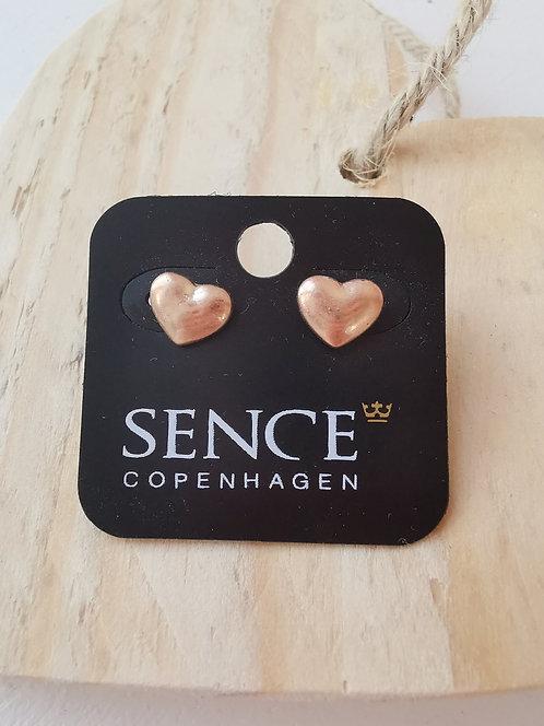 Rosegoldene Herz-Ohrringe von Sence Copenhagen