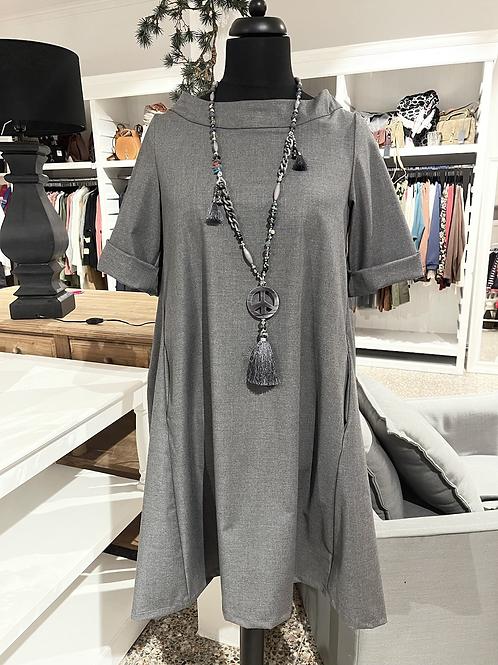 Traumschönes Kleid - Schildkröt-Kragen Grau