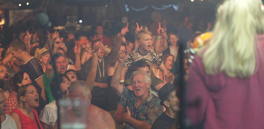 crowd cheer 1.jpg