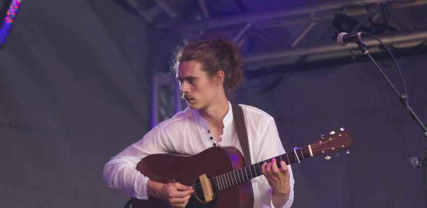 solo guitar.jpg