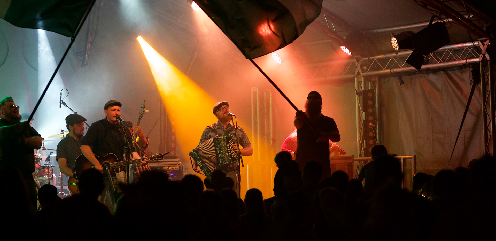 Paddyhats stage view2.jpg