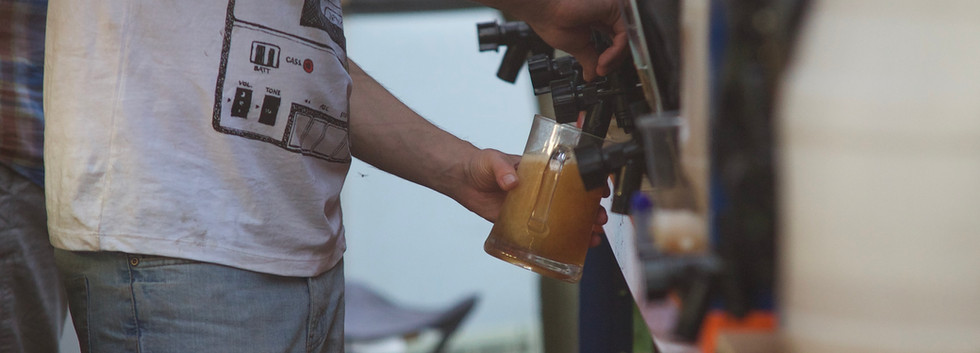 beer pouring.jpg