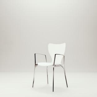 Akaba Lounge Chair