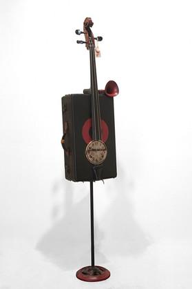 Fiddle Neck Bass
