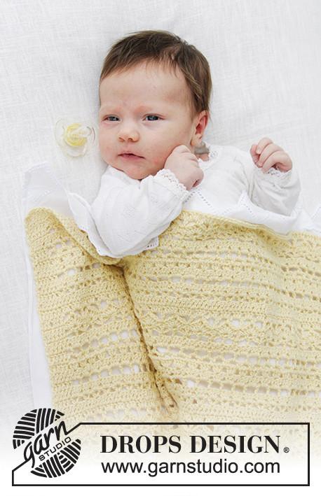 Manta de bebé a ganchillo con patrón de calados