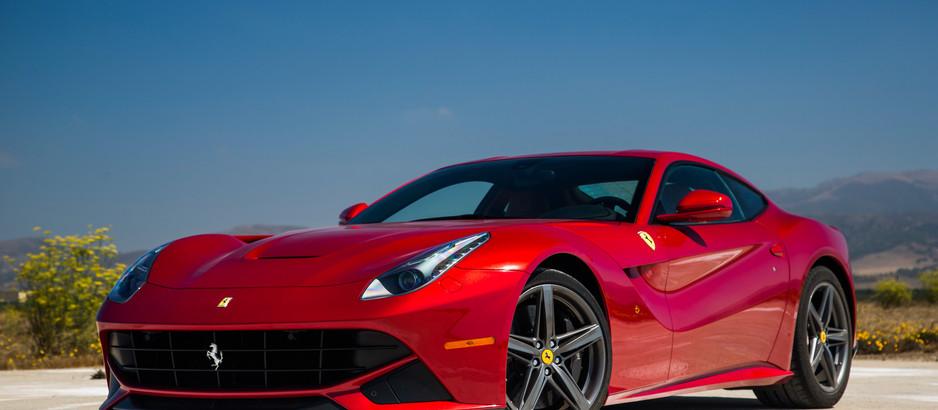 Ferrari F12 Berlinetta, la Gran Turismo disegnata dal vento e premiata col Compasso d'Oro