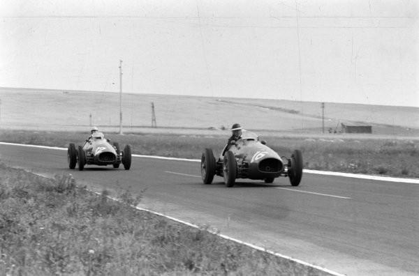 #28 GP di Francia 1953, a sorpresa vince Mike Hawthorn, in volata su Fangio e la Maserati
