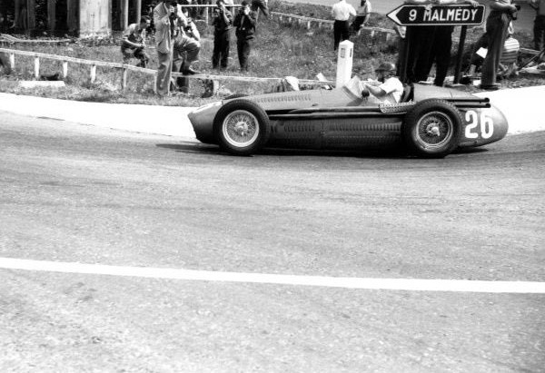 #35 GP del Belgio 1954, Fangio domina con la Maserati, problemi d'affidabilità per la Ferrari