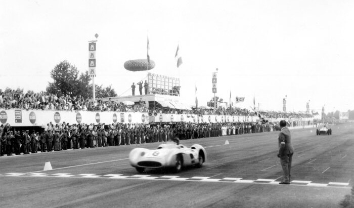 #48 GP d'Italia 1955, Fangio chiude l'epoca della Mercedes con un'ultima vittoria
