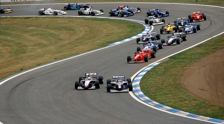 #7 1997: GP di Spagna, torna a vincere l'imbattibile Williams, Panis stupisce ed è secondo