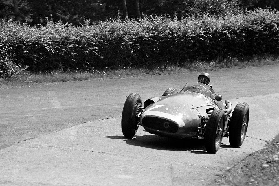 Fangio-3-1957-German-GP_edited.jpg