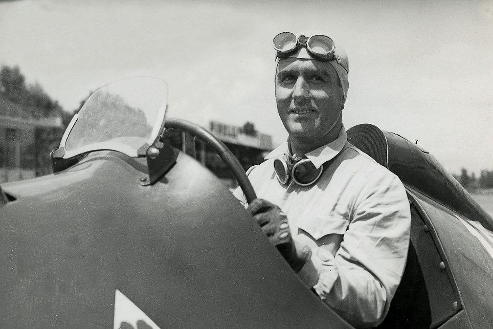 1950-Italian-GP-Farina_edited.jpg
