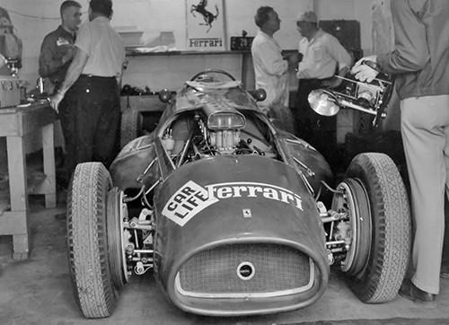 #34 500 Miglia di Indianapolis 1954, Ferrari non partecipa alla gara, anche se...