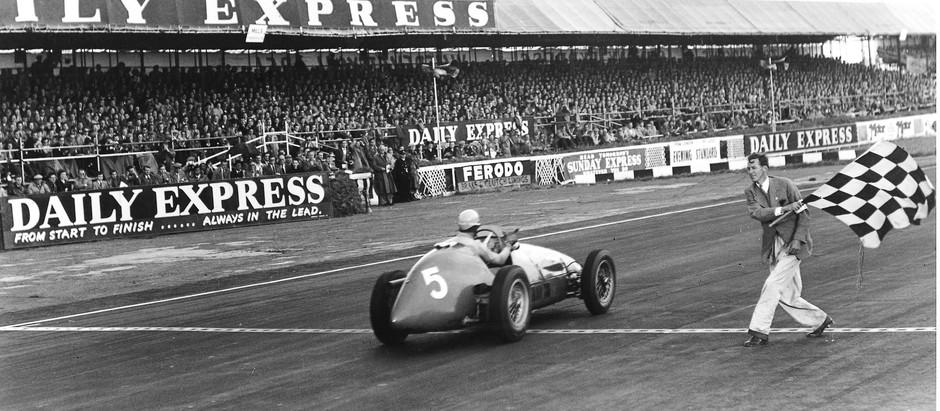 #29 GP di Gran Bretagna 1953, Ascari torna al successo, Fangio è staccato di un minuto