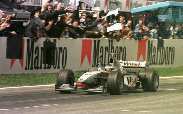 #619 GP di Spagna 1998, la McLaren-Mercedes domina, Schumacher è solo terzo