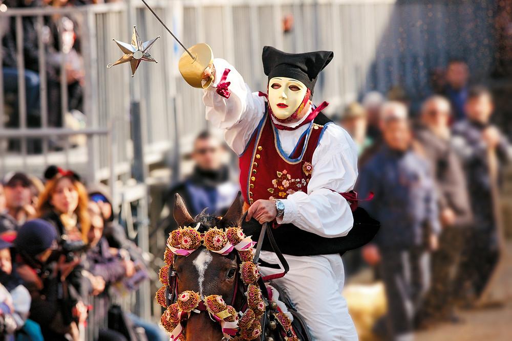 Bildgeschichte Reiterfestival Sartiglia