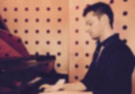Matthias Klavier 3.jpg