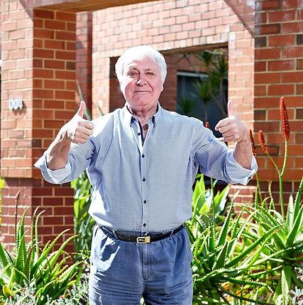 Thumbs-Up-Bob.jpg