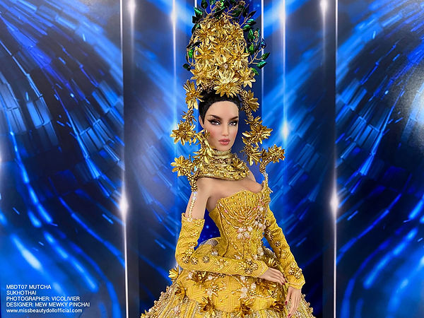 Thai National Costume_210606_13.jpg