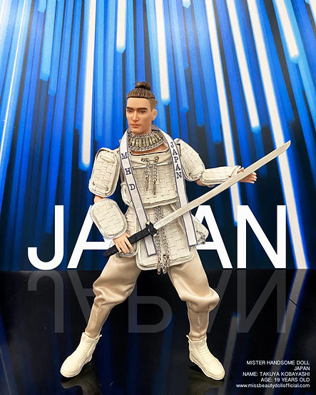 THE NATIONAL COSTUME_200909_7.jpg