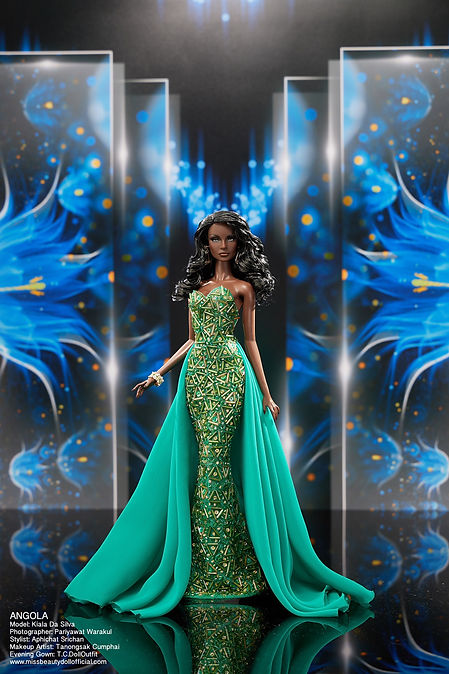 Preliminary Evening Gown_๒๐๑๒๒๒_5.jpg