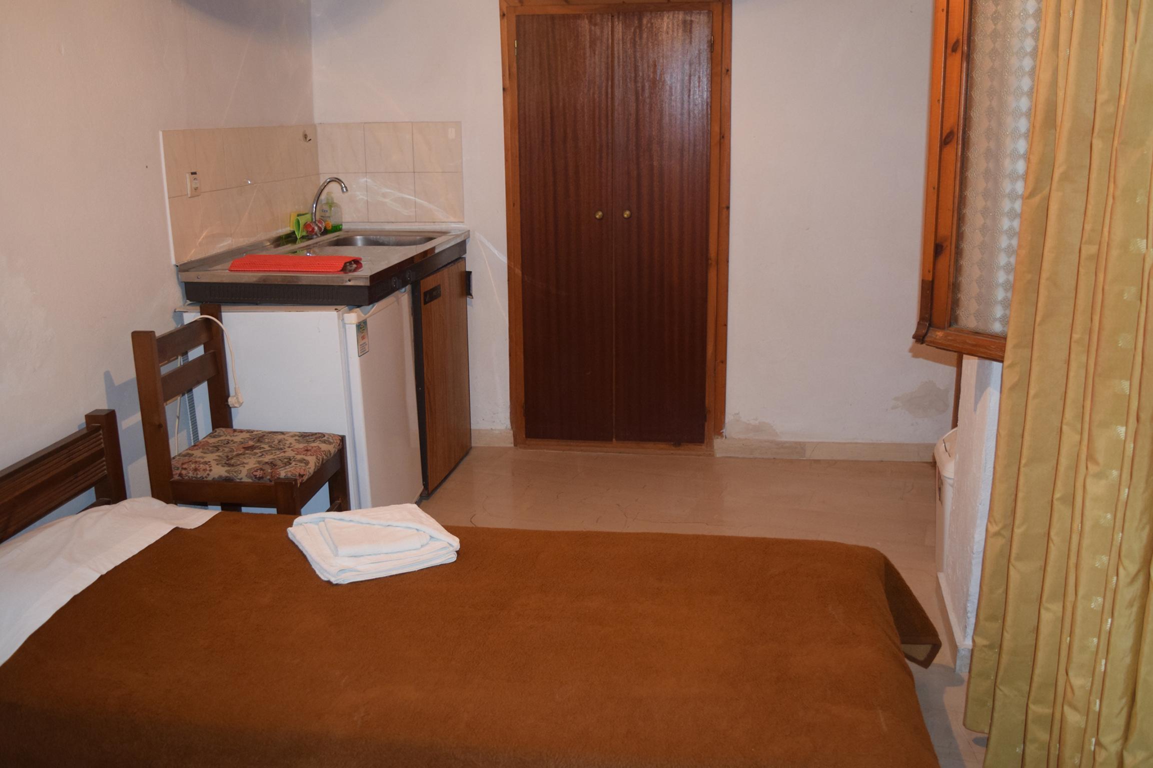 Diklino_Room2a.jpg