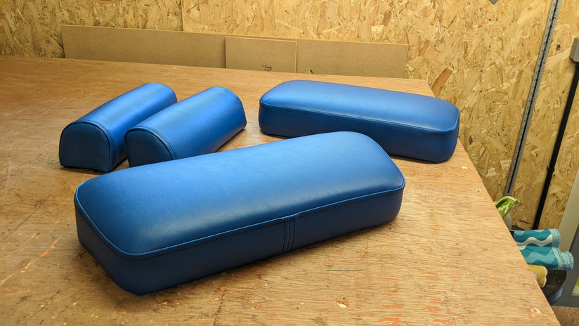 Replacement vinyl pads for chiropractor's bed