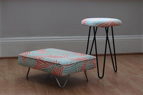 maus hairpin footstool