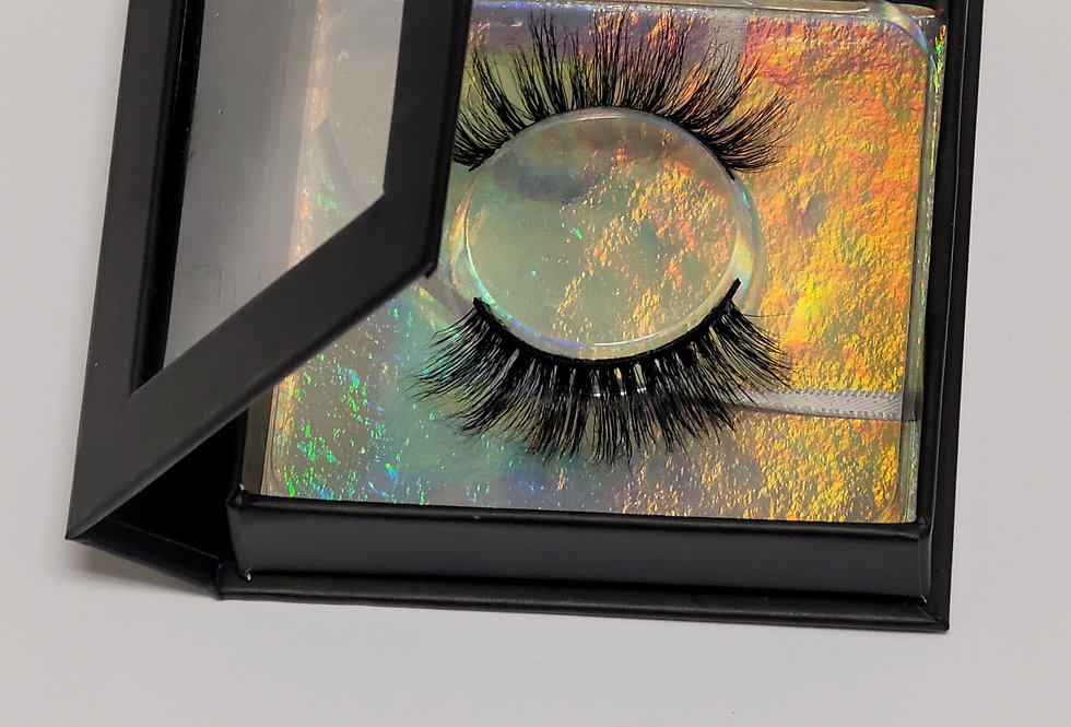 Luxe Lashes - Tease