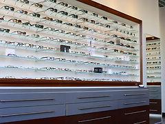 main_eye dr.jpg