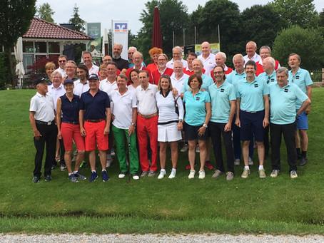 Writer-Cup: VFS-Golfteam dressmässig Spitze