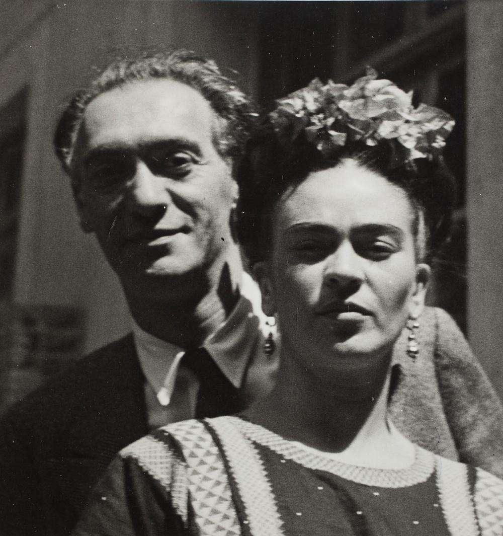 Retrato da pintora Frida Kahlo e de Trotsky