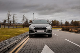 Audi Q7 2.jpg
