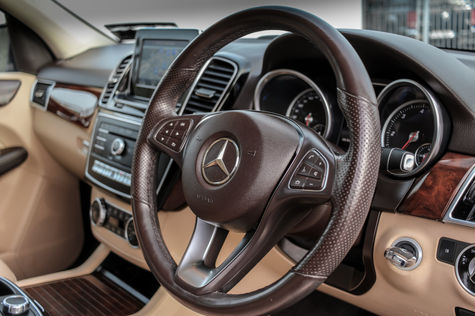 GLE Steering Wheel.jpg