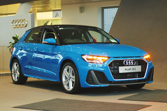 Audi A1 Front Side.jpg