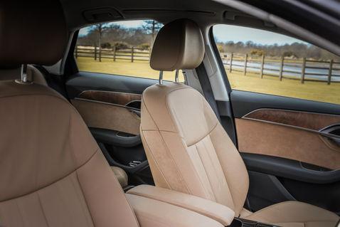 Audi A8 Seat 2.jpg