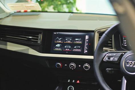 Audi A1 Mid Screen.jpg