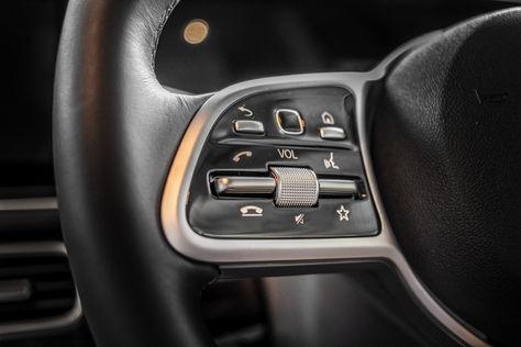 GLE Steering Wheel Details.jpg