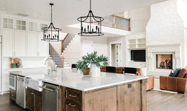 Traditional-classic-wood-island-with-whi
