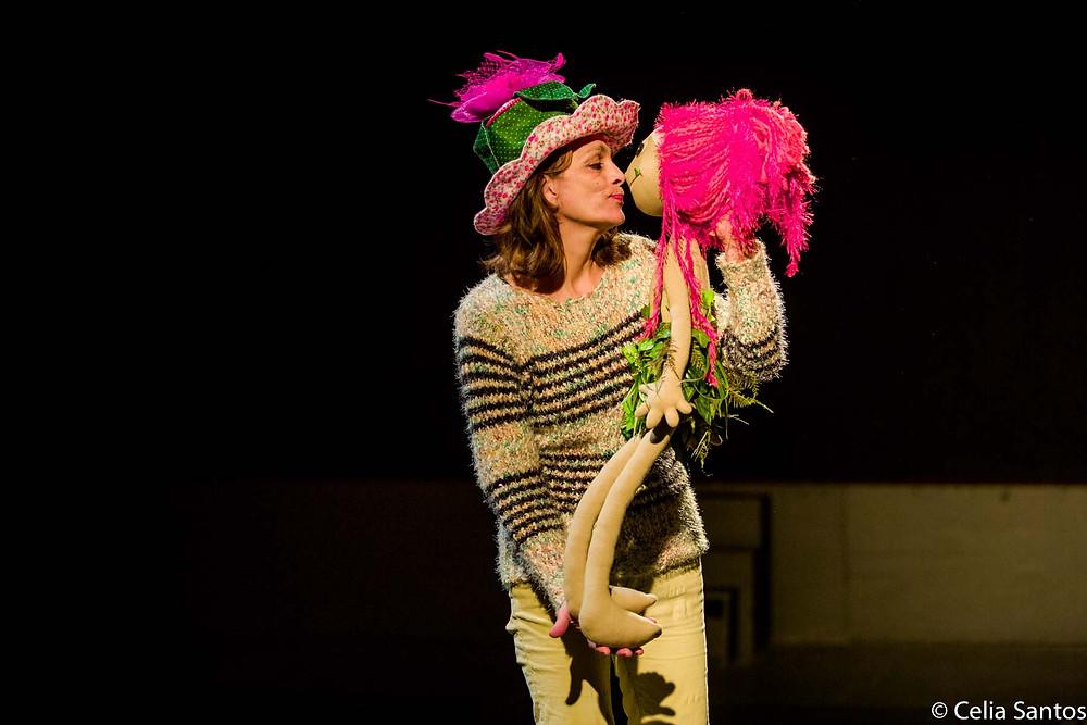 Teatro também é uma ferramenta de ricos aprendizados, uma escola que ensina virtudes da vida. (Foto: Celia Santos(