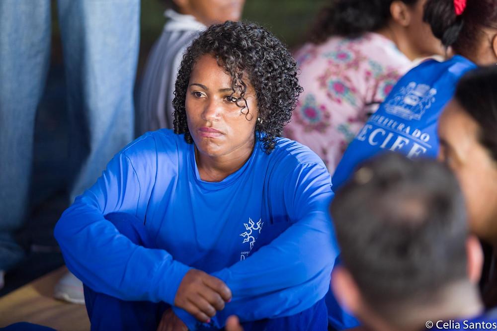 Mulheres que trabalham com reciclagem de lixo na Ilha de Deus têm seus trabalhos valorizados e novos horizontes. | Foto: Celia Santos/Instituto Mpumalanga.