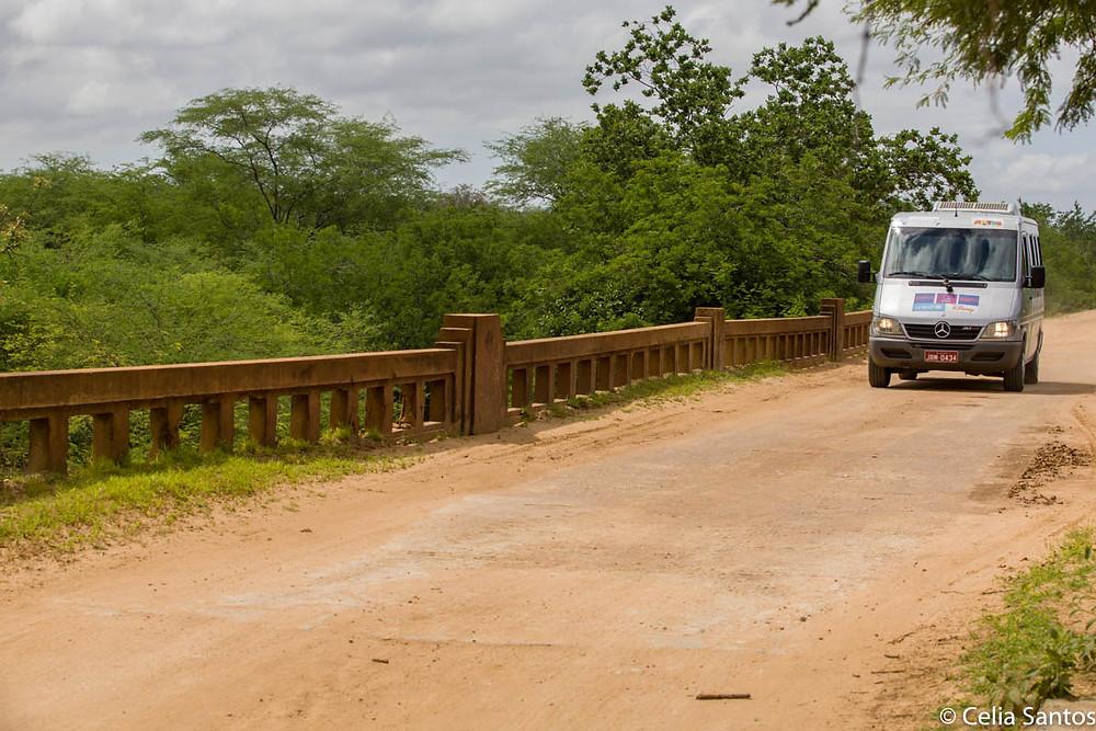 Caravana roda o Brasil e conhece o país através de projeto educacional.