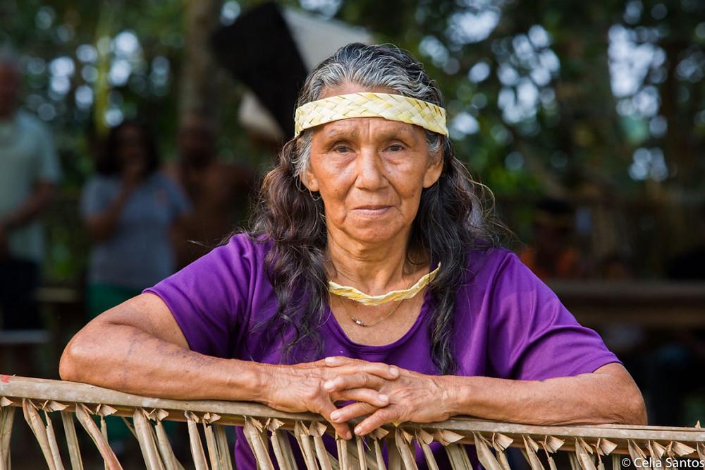 Dona Maria Laura é apurinã e guarda enorme orgulho por morar no Médio Purus, na Floresta Amazônia. (Foto: Celia Santos)