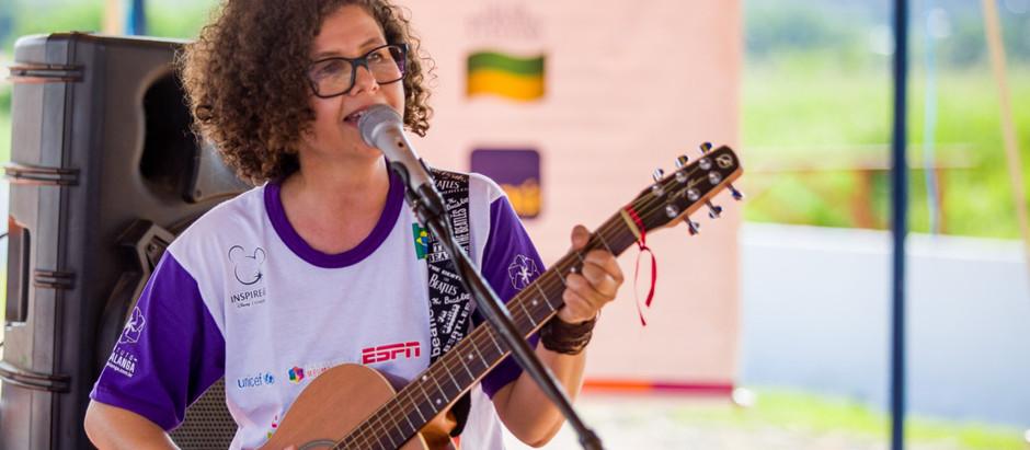 Música de Roberta Campos evade tenda e invade o corpo